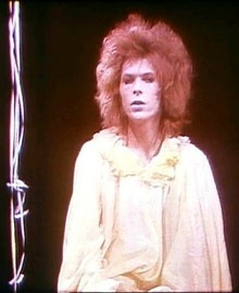 David Bowie in Pierrot In Turquoise di Lindsay Kemp