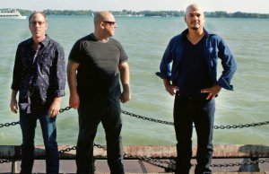 Pixies: ecco la nuova bassista ed il video di