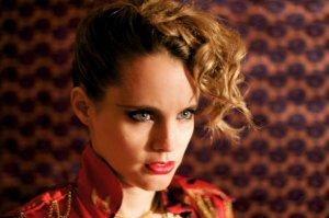 Anna Calvi suonerà a Milano il nuovo album