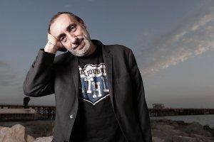 Addio a Fausto Mesolella, aveva 64 anni
