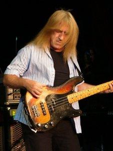 È morto Trevor Bolder, storico bassista di David Bowie